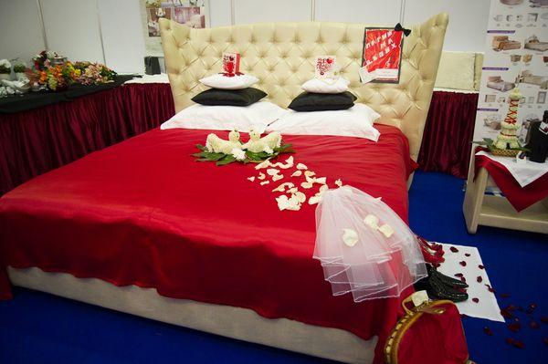 Украшение свадебного номера